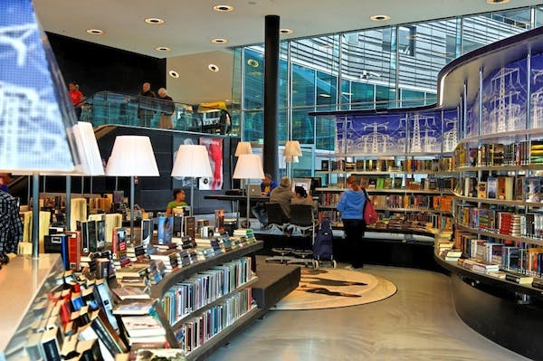 Nieuwe Bibliotheek (New Library), Netherlands photo credit_Cat Johnson.png