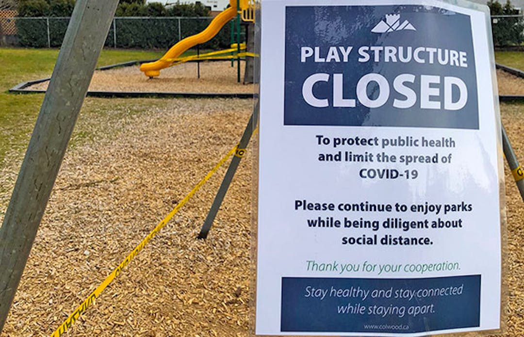 play structure closed sign
