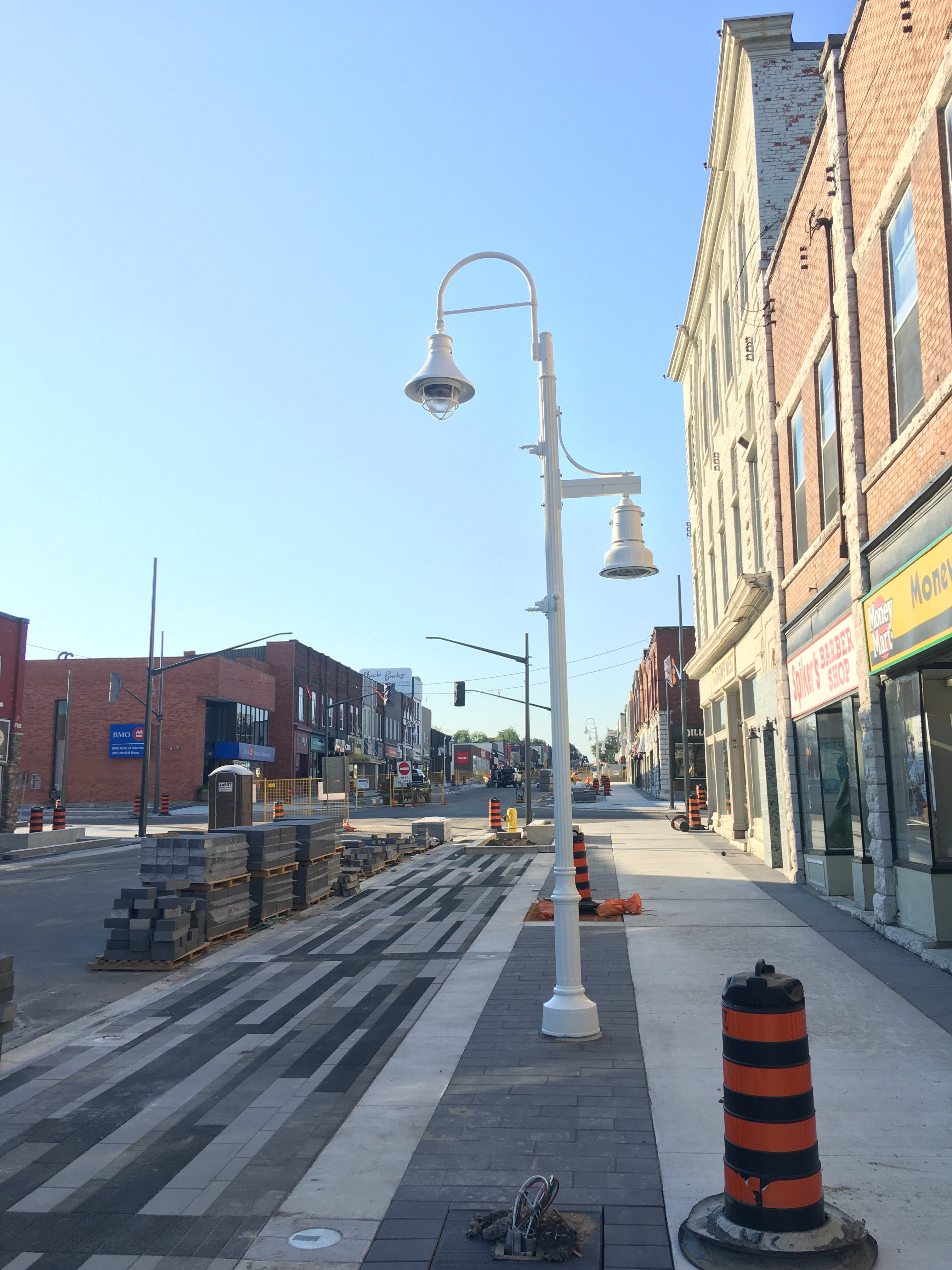 New street and pedestrian lighting
