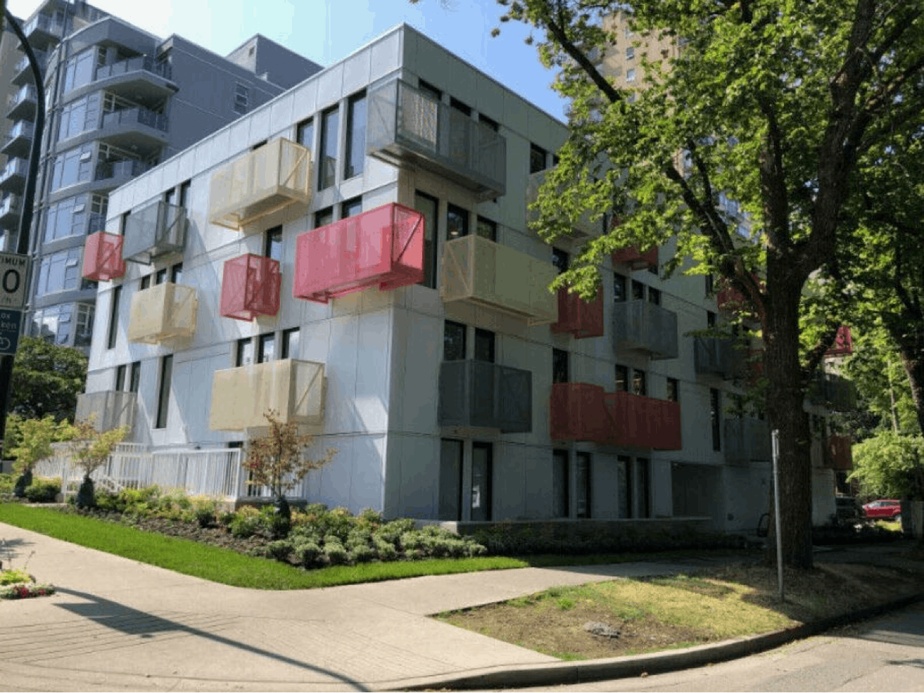 Example of simplified building design (simple architecture) on a 4-storey apartment building