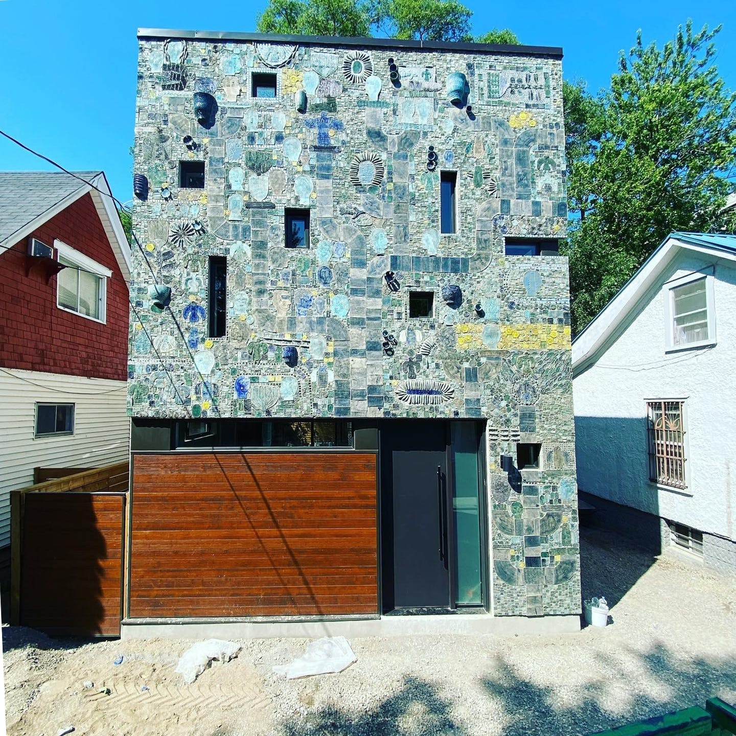 8 Henry Street - The Mosaic House
