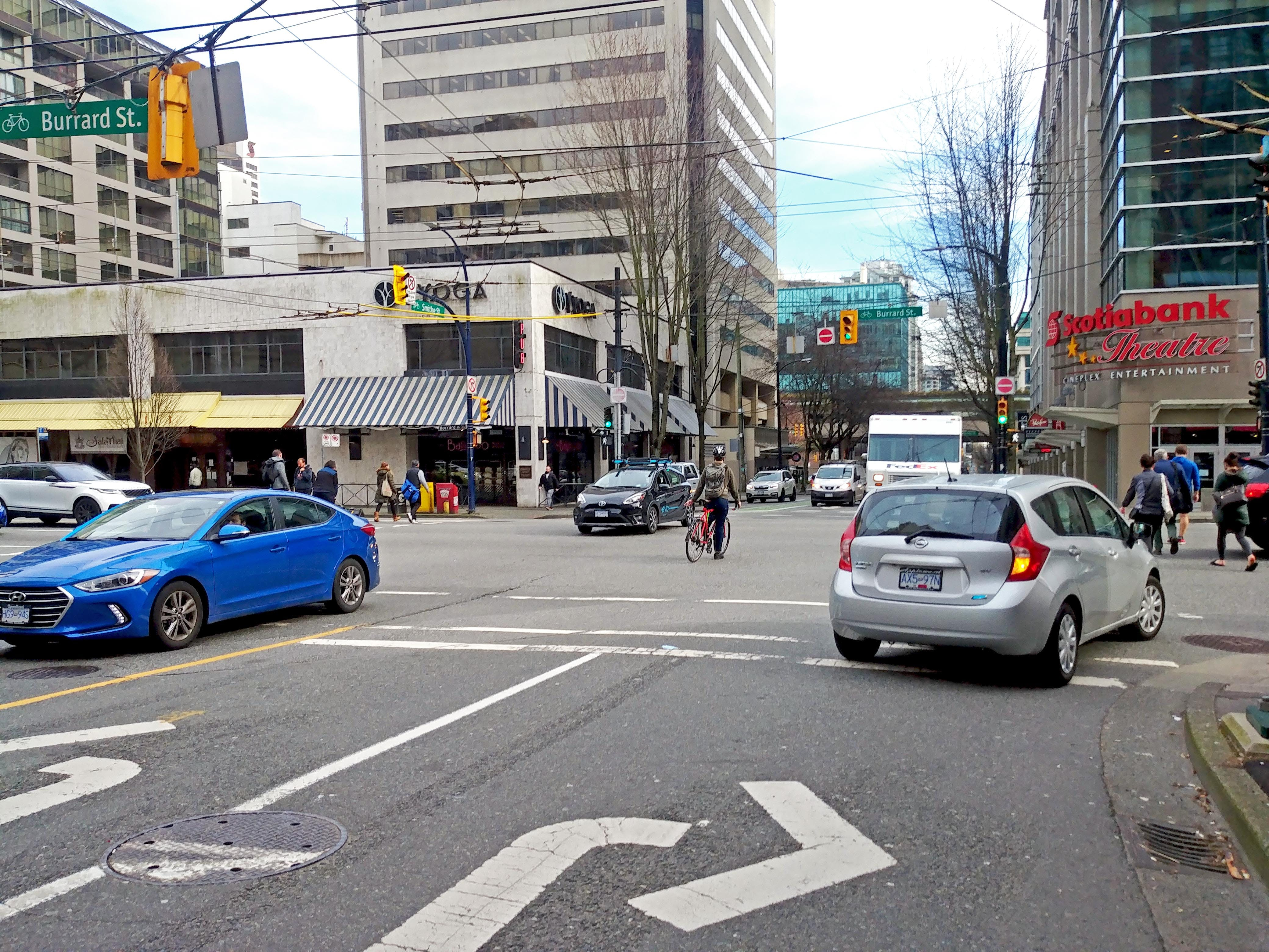 Challenge - Conflicts at turning intersections