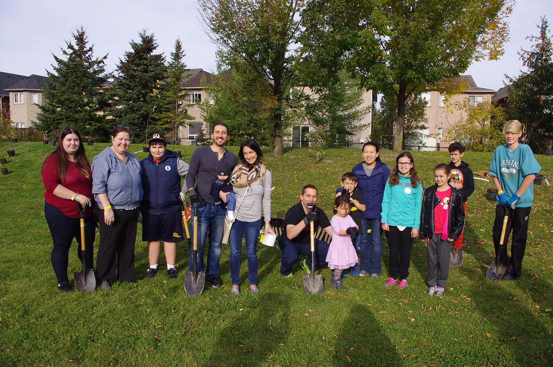 PHOTOS: Neighbourhood Tree Planting and Free BBQ - Oct 21, 2017
