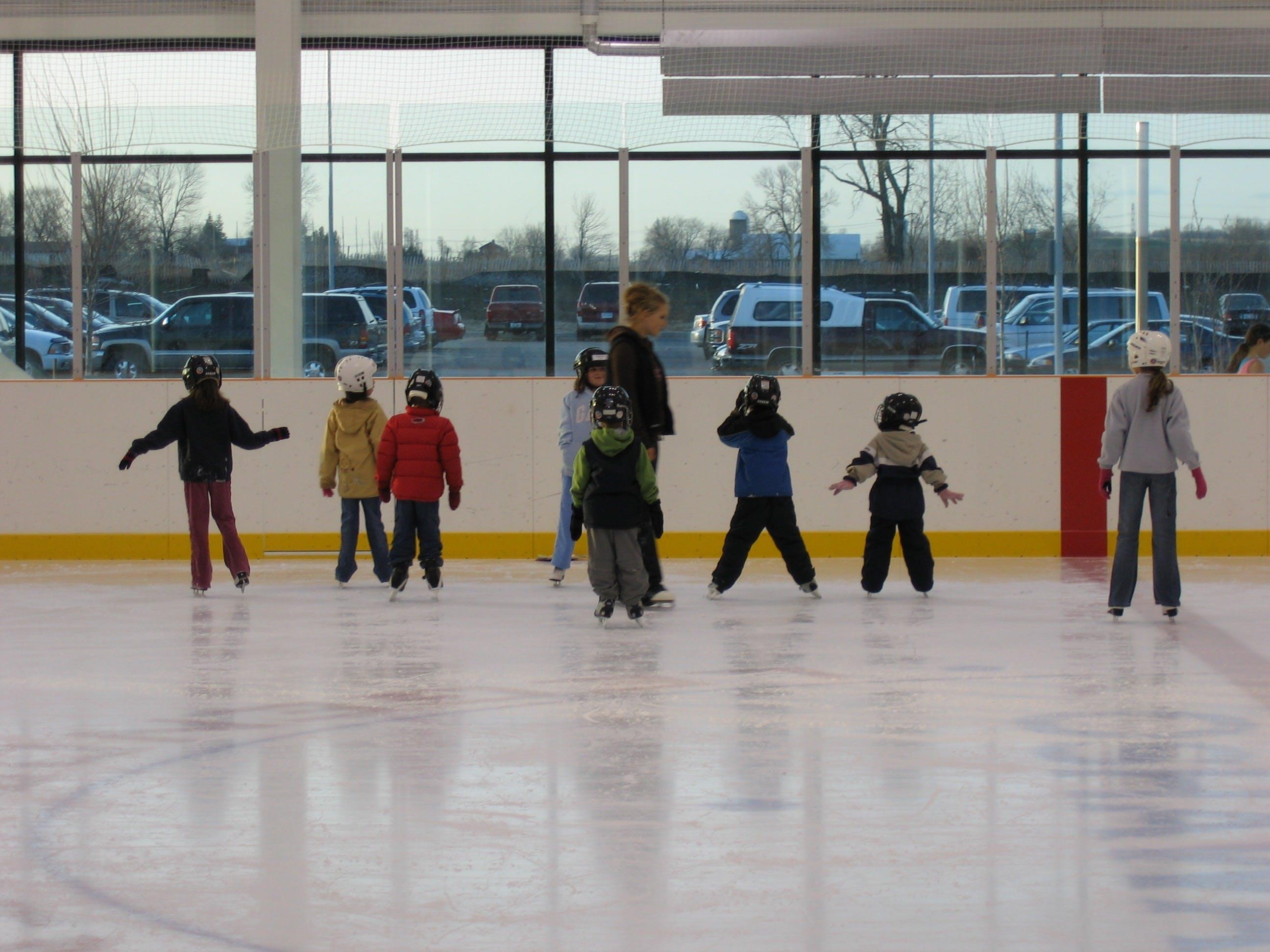 Oshawa children and youth learning to skate at an Oshawa facility