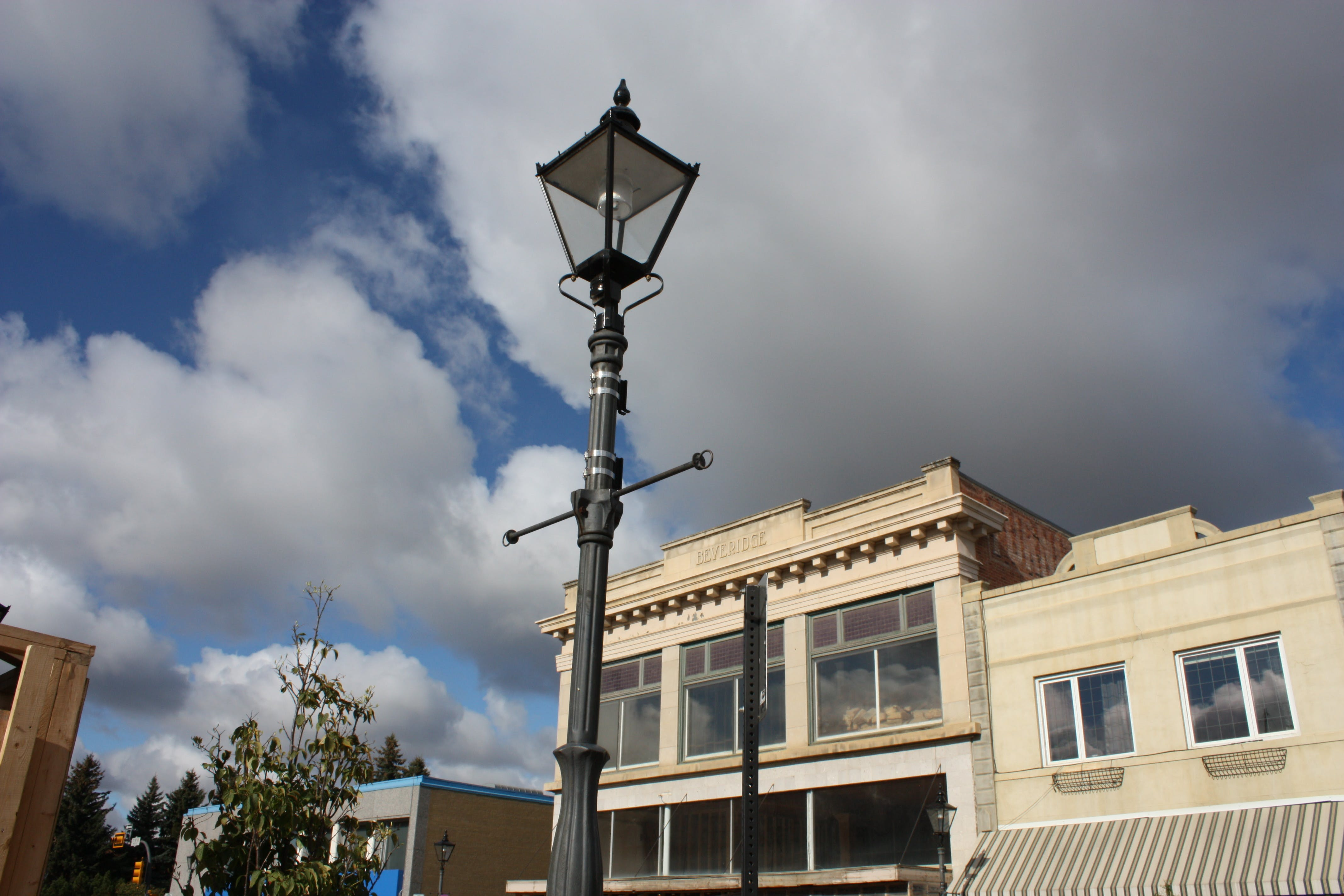 Gas Streetlights Today