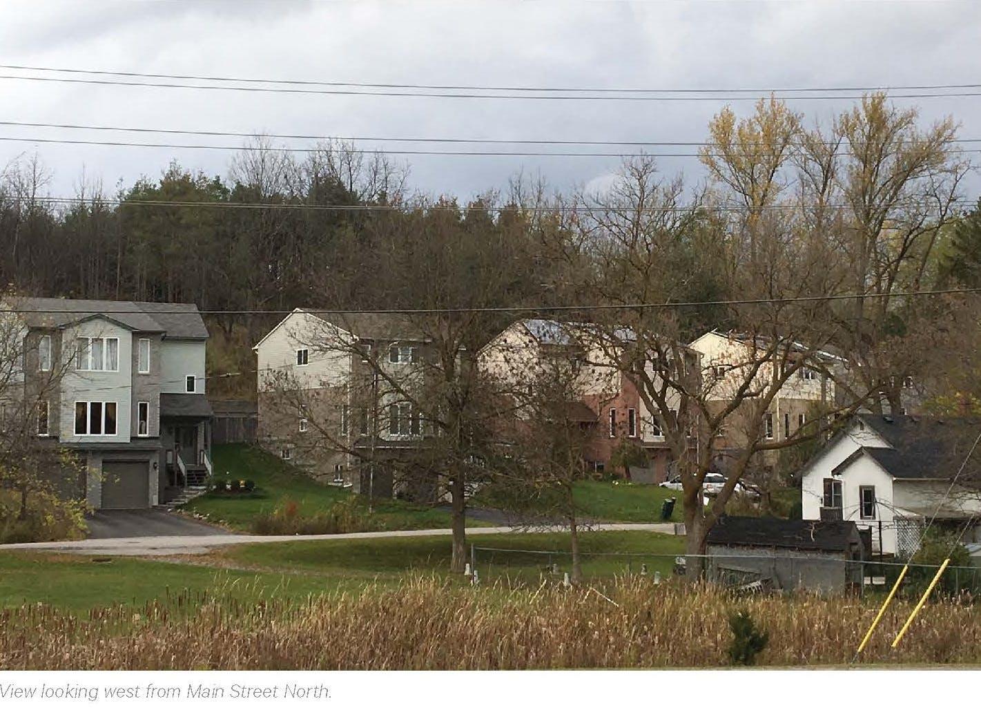 Houses W Caption