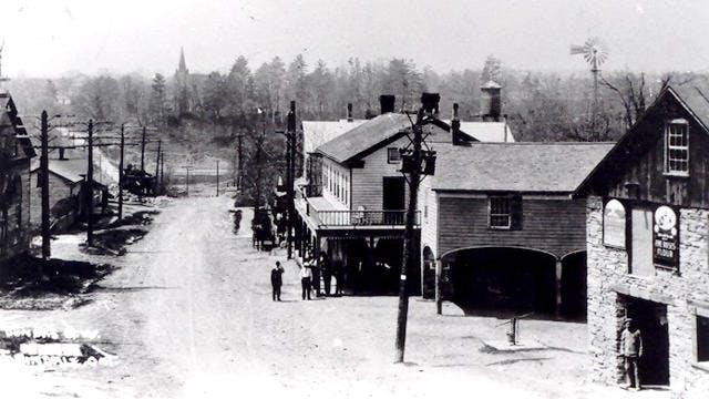 Dundas Street in Erindale Village, circa 1910