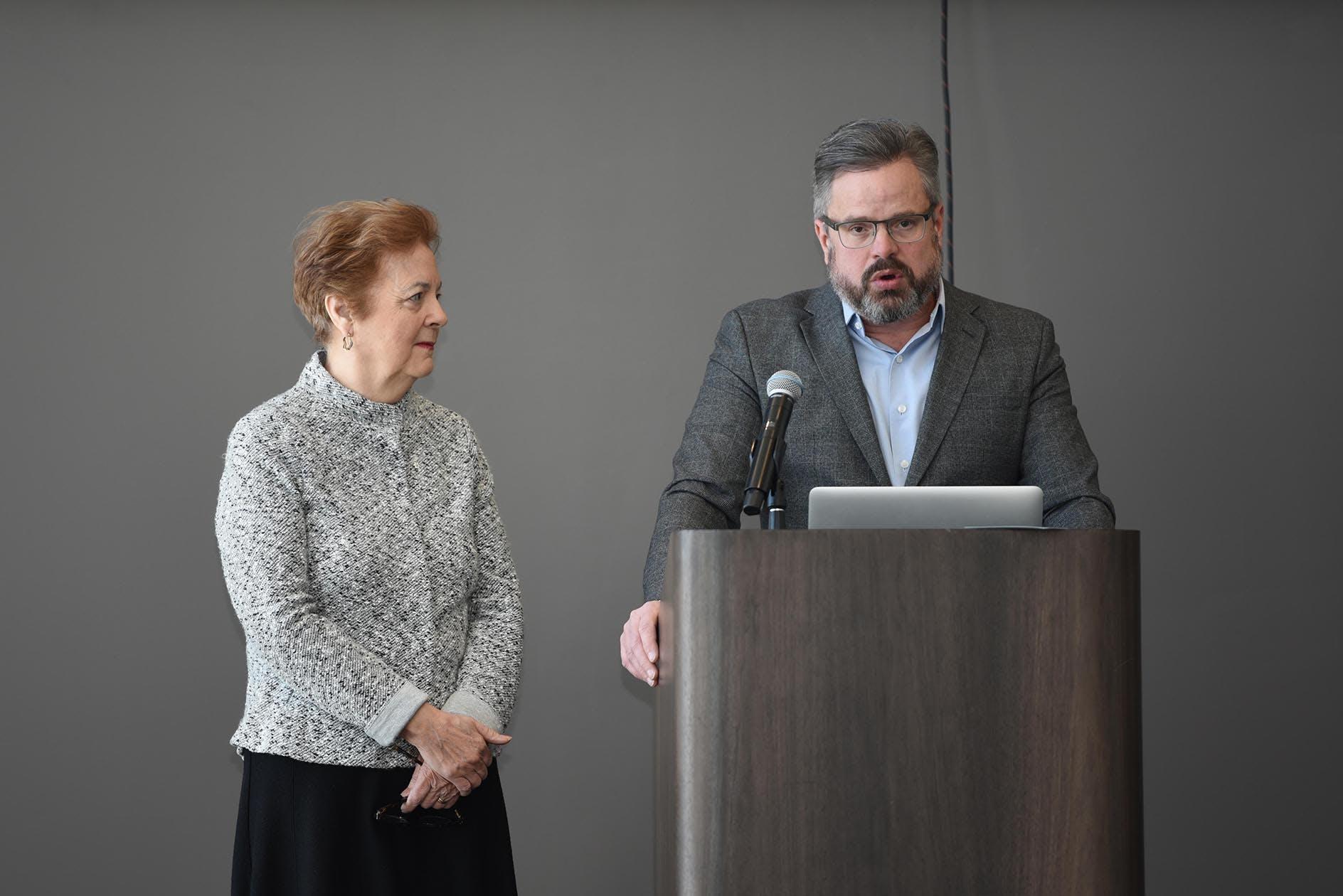 Aldéa Landry et David Campbell, consultants