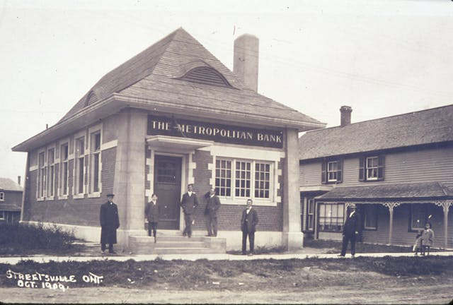Originally built for the Metropolitan Bank, and still standing at 242 Queen Street, this building is now used for commercial purposes, circa 1909