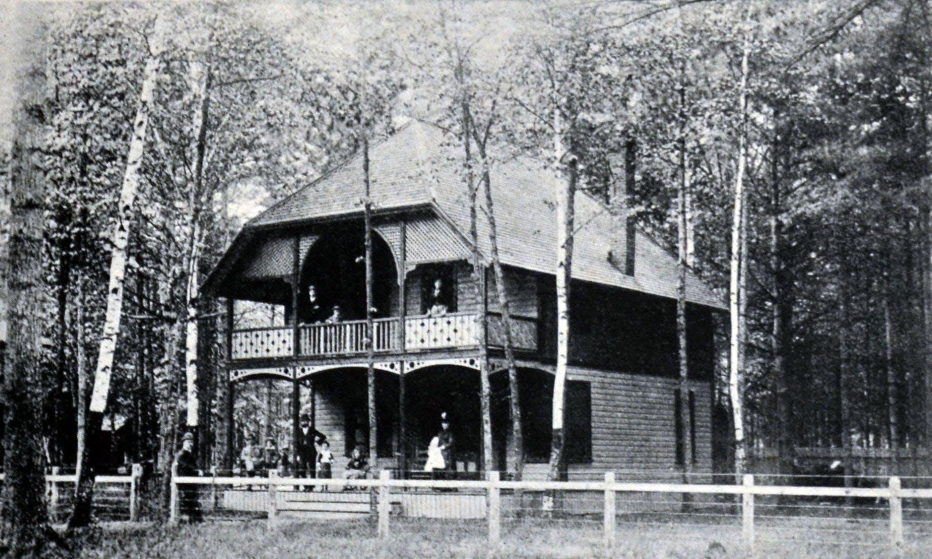 Berwyn Cottage, Davis Residence, circa 1900