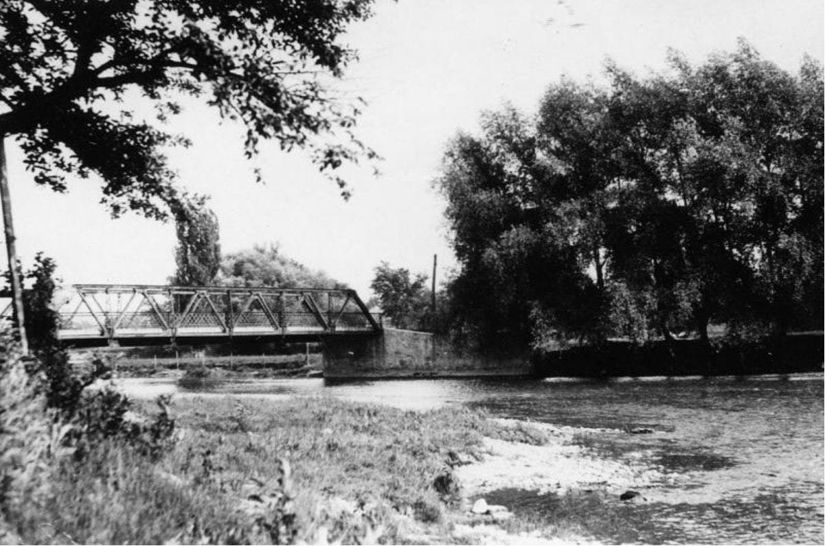 Bridge carrying Derry Road over the Credit River in Meadowvale, 1920