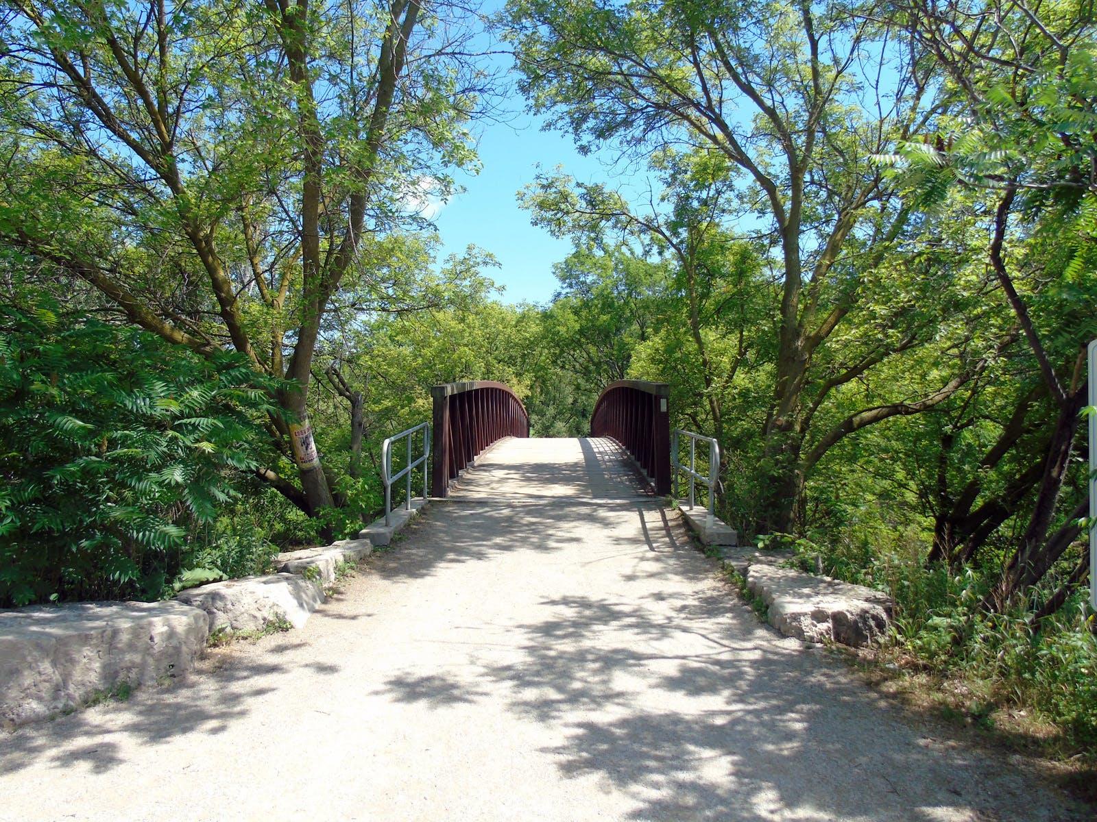 Pedestrian bridge over the Credit River