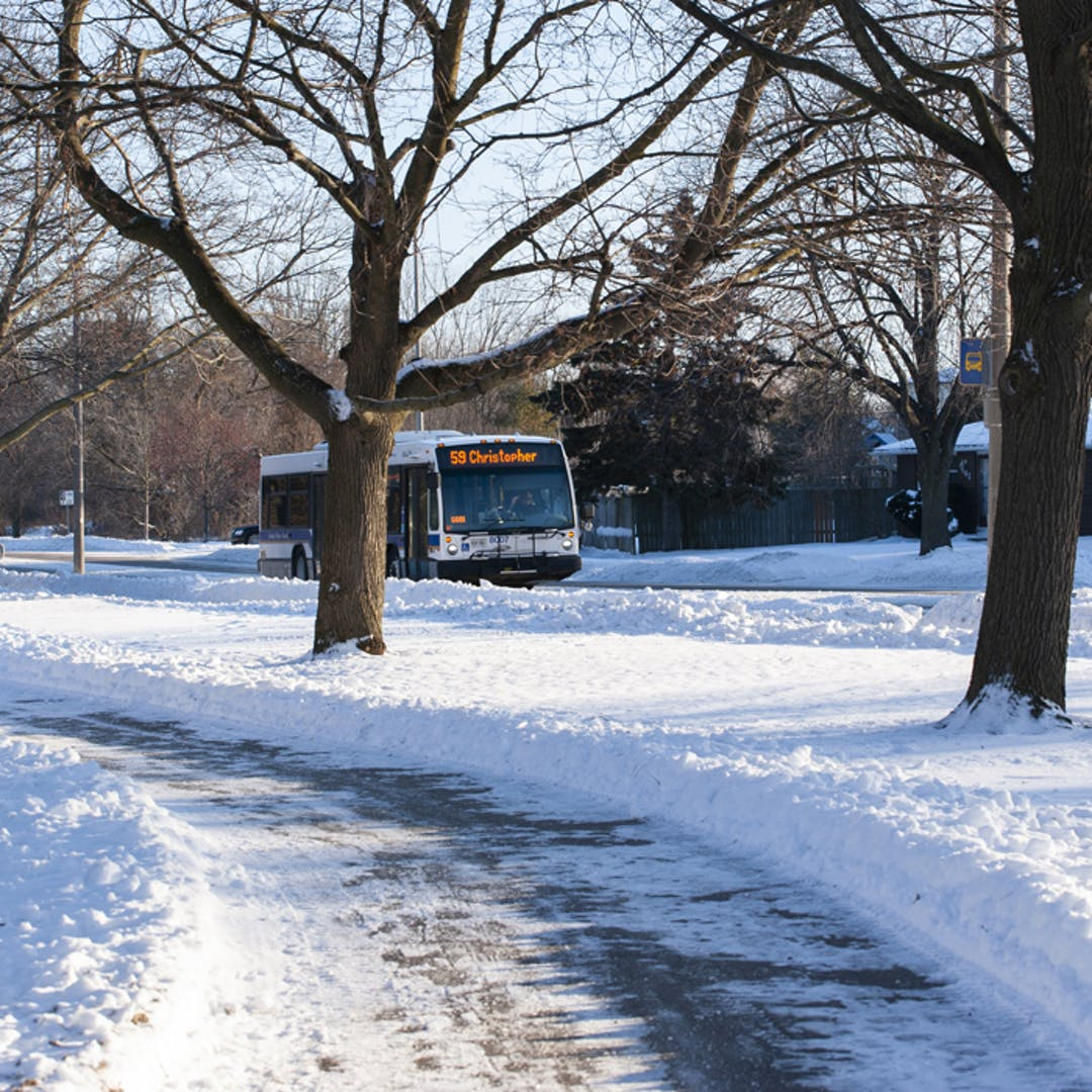 Route 59 travelling past Churchill Park